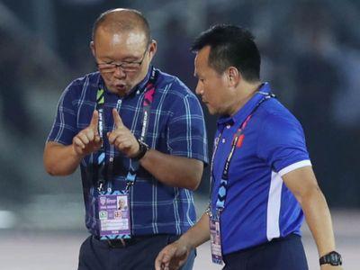 HLV Park Hang-seo được tờ FOX Sports ví có phong cách cầm quân giống HLV tiếng tăm Jose Mourinho.
