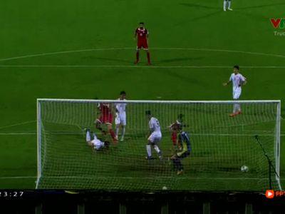Mặc dù thi đấu có phần lép vế nhưng ĐT CHDCND Triều Tiên bất ngờ có bàn mở tỷ số sau cú sút phạt của Kwang-Ryong Pak. Tuy nhiên Lebanon đã nhanh chóng gỡ hòa.