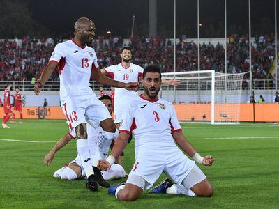Đối thủ của ĐT Việt Nam tại vòng 1/8 Asian Cup 2019, ĐT Jordan đã vượt qua nhà ĐKVĐ Australia để chiếm ngôi đầu bảng B. Sức mạnh của đội bóng Tây Á là không thể xem thường.