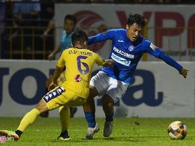Thất bại 2-4 trên sân Than Quảng Ninh khiến ngày vô địch của Hà Nội FC kém vui, trong khi Khánh Hòa nhận vé xuống hạng trực tiếp sau trận thua HAGL.