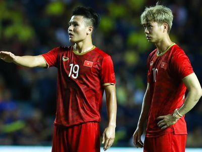 Tờ Emaratalyoum của UAE khiến người hâm mộ bối rối khi nhầm lẫn giữa hai ngôi sao trên hàng công tuyển Việt Nam.