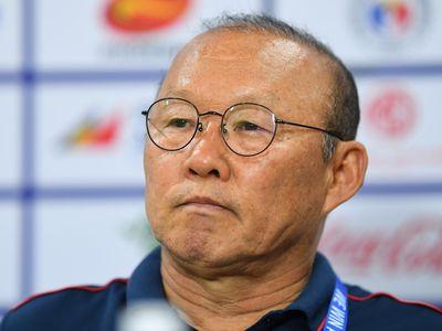 Chiến lược gia người Hàn Quốc có những chia sẻ về tình hình U22 Việt Nam, đánh giá đối thủ trong trận bán kết diễn ra vào ngày mai (7/12).