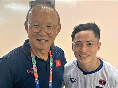 Trên trang cá nhân, tiền đạo Soukaphone Vongchiengkham thể hiện sự hào hứng sau khi chứng kiến U22 Việt Nam đánh bại U22 Indonesia để giành tấm HCV môn bóng đá nam SEA Games 30.