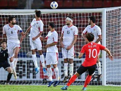 Lee Dong-gyeong đã ghi bàn thắng quyết định đưa Hàn Quốc vào bán kết U23 Châu Á 2020 bằng một siêu phẩm sút phạt.