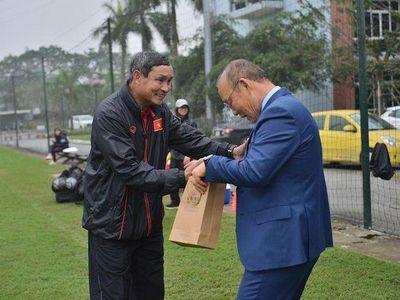 Huấn luyện viên trưởng đội tuyển Việt Nam Park Hang Seo và các trợ lý đồng hương sẽ trở về Hàn Quốc trong dịp Tết Nguyên Đán năm nay.