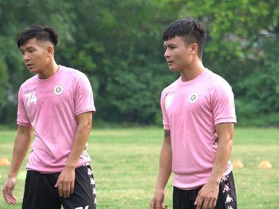 Tiền vệ Phạm Thành Lương cho rằng Văn Hậu sẽ giúp ích rất nhiều cho Hà Nội FC nếu trở lại thi đấu ở giai đoạn 2 của V-League 2020. Thành Lương cũng thừa nhận Hà Nội FC đang gặp nhiều khó khăn vì tình hình chấn thương, trong đó có chấn thương của Quang Hải.