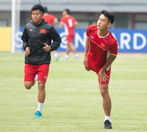 U19 Việt Nam tập buổi cuối tại sân thi đấu trong tâm trạng hứng khởi