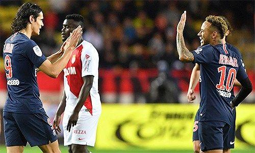 Ronaldo, Cavani, Neymar tỏa sáng trong chiến thắng còn Messi ngậm ngùi nếm thất bại
