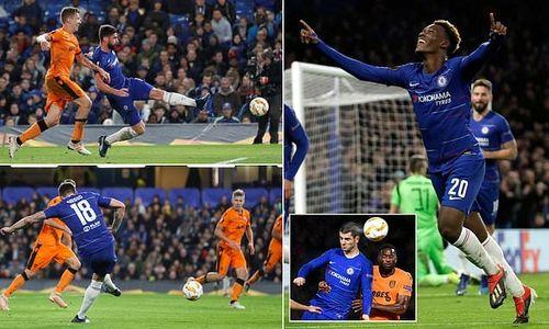 Arsenal và Chelsea cùng chiếm ngôi đầu bảng