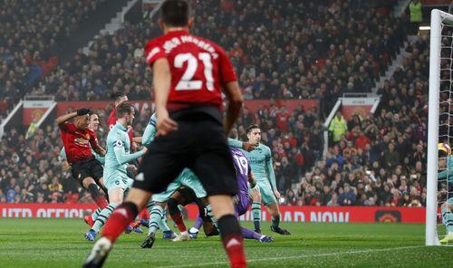 M.U nhọc nhằn cầm hòa Arsenal ở Old Trafford