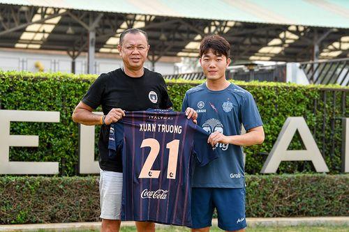 Xuân Trường chính thức ra mắt Buriram United bằng số áo 21