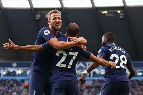 Man City bị 'cưa điểm', Liverpool thắng sát nút
