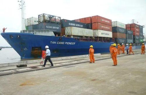 Tân cảng Cái Cui đón tàu container đầu tiên