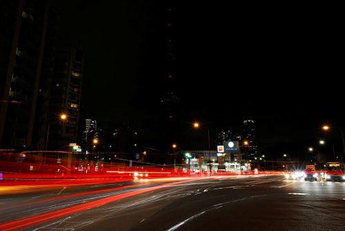 10 năm Giờ Trái Đất: Các thành phố lớn trước và sau khi tắt điện