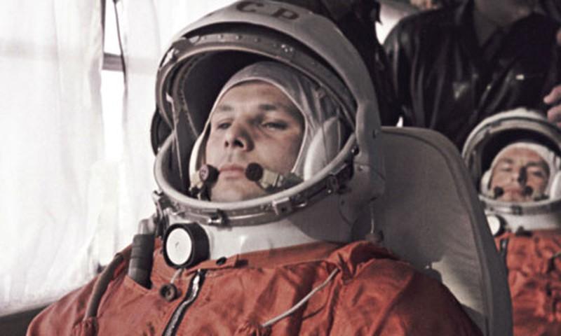 Xem lại chuyến bay đầu tiên của con người vào vũ trụ