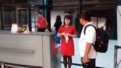 Yêu cầu xử lý nghiêm nhân viên Vietjet xé vé hành khách đến trễ