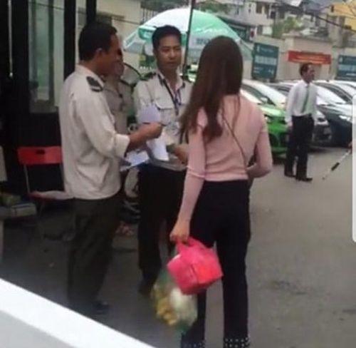BV Bạch Mai thông tin vụ bảo vệ chặn xe cứu thương vào đón bệnh nhân