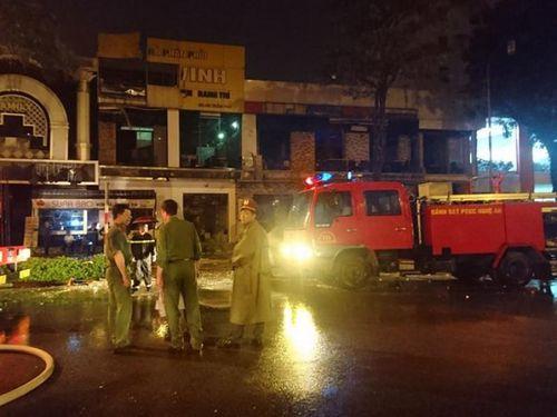 Nghệ An: Nổ lớn trong đêm, một nhà hàng tan hoang