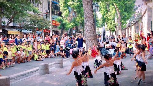 Kỷ niệm Ngày Giải phóng Thủ đô 10/10: Nhiều hoạt động văn hóa đặc sắc tại phố cổ Hà Nội