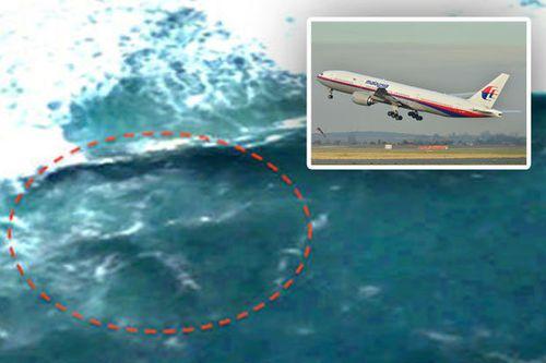 Thiếu niên 17 tuổi tuyên bố tìm ra một máy bay khác nghi là xác MH370 trong rừng rậm Campuchia