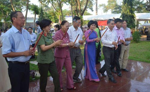 Lễ giỗ lần thứ 30 bà Nguyễn Thị Lựu
