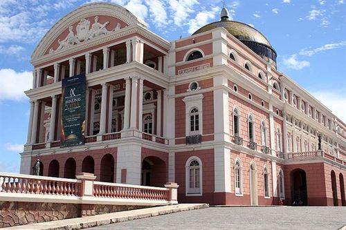 Nhà hát kỳ lạ nhất thế giới nằm giữa vùng rừng rậm Amazon