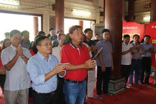 Viện Kiểm sát cấp cao tại TP.HCM dâng hương tại Truông Bồn
