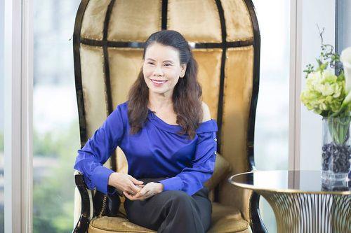 Mẹ của ca sĩ Hồ Ngọc Hà tiết lộ bí quyết giữ vẻ đẹp ở tuổi 60
