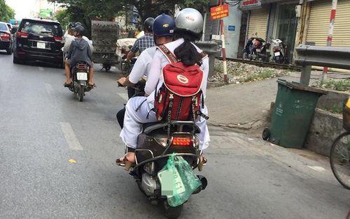 Pha xử lý xuất thần của một thanh niên rơi biển số xe giữa đường phố Hà Nội khiến dân tình bất giác nhớ đến các Ninja Lead