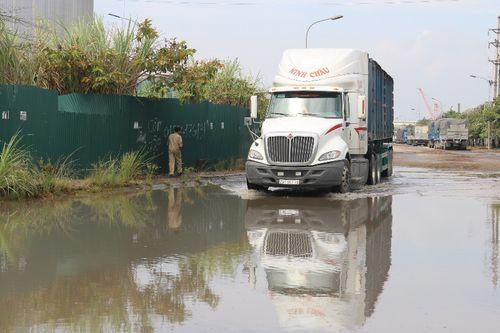 Quảng Ninh: Khu công nghiệp cảng Cái Lân mưa nhỏ đã lụt đường