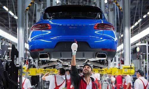 Hãng Porsche bị phạt 52 triệu USD vì gian lận khí thải