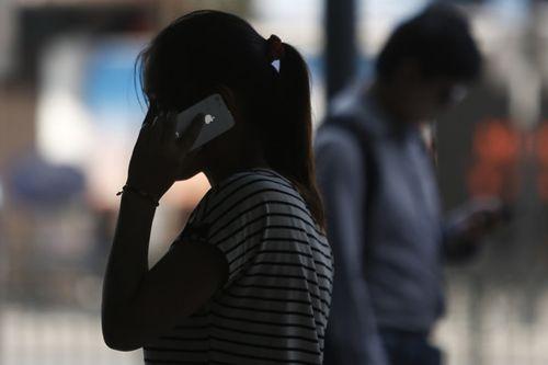 Bị lừa hơn 800 triệu qua điện thoại chỉ vì... 28 triệu đồng