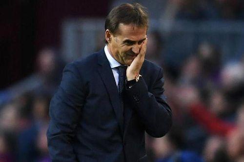 Cổ động viên Real phẫn nộ, đòi sa thải HLV sau trận thua Barca