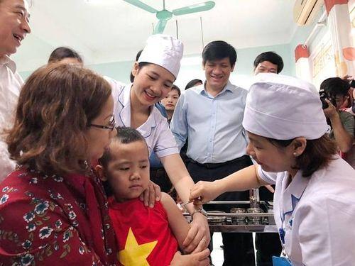 Có đủ 8 loại vắc xin phòng bệnh cho tiêm chủng mở rộng và tiêm chủng dịch vụ