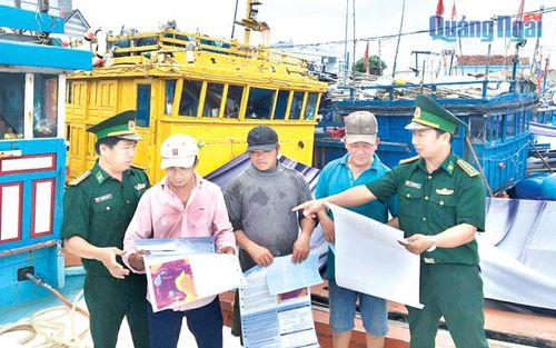 Phát huy vai trò đảng viên trong lực lượng ngư dân