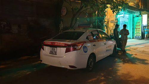 Xác định danh tính tài xế taxi bị bắn và cán qua người sau va chạm