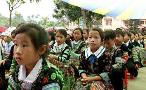 Tăng cường dạy tiếng Việt cho học sinh tiểu học vùng dân tộc thiểu số