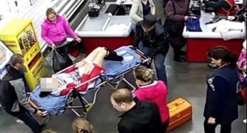 Người phụ nữ Nga sinh con ngay tại quầy thanh toán siêu thị
