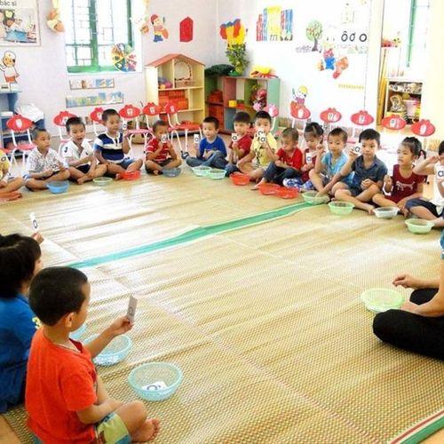 Nâng chuẩn giáo viên mầm non: Cần nhìn thẳng vào thực tế!