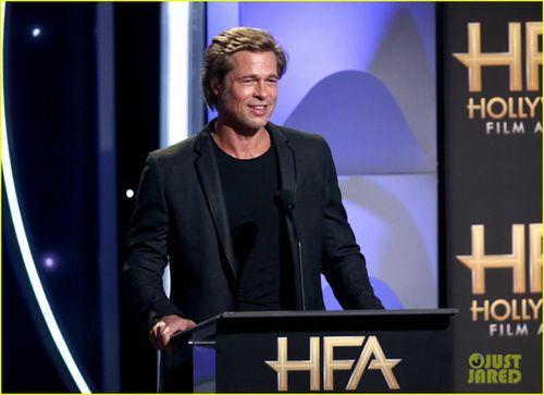 Brad Pitt thu hút với vẻ ngoài bảnh bao, phong độ ở tuổi 55