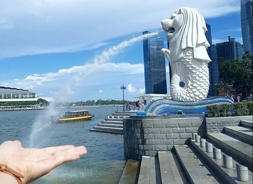 Kinh phí 10 triệu đồng nên đi Singapore hay Hong Kong?