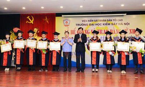 Trường Đại học Kiểm sát Hà Nội bế giảng và trao Bằng cử nhân khóa II, hệ đại học chính quy ngành Luật