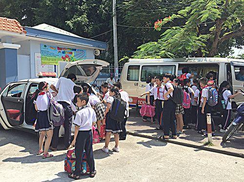 Siết chặt quản lý xe ô tô đưa đón học sinh