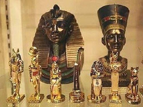 Phát hiện hàng trăm cổ vật trong 7 ngôi mộ tại khu Saqqara