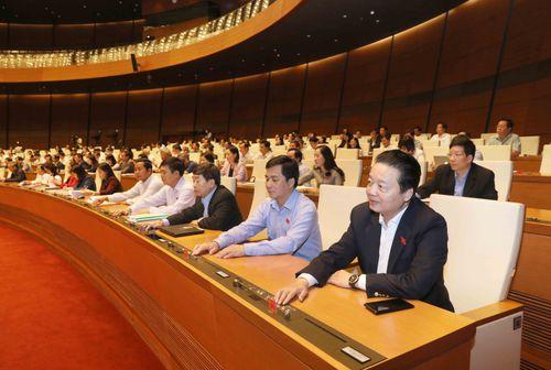 Quốc hội thông qua 2 nghị quyết quan trọng