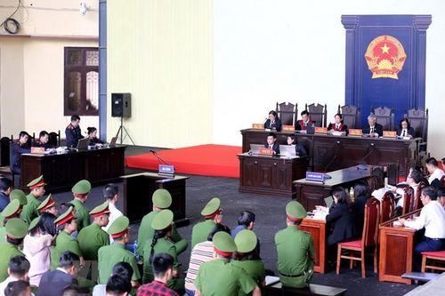 Bốn suy ngẫm từ phiên tòa xét xử ông Phan Văn Vĩnh