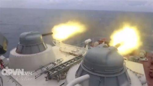 Màn khai hỏa chặn mọi mục tiêu của pháo Việt Nam