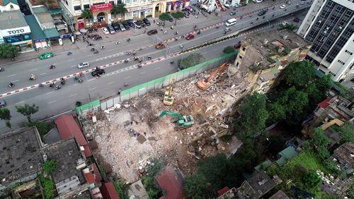 Chung cư 7 năm 'chết' trên đất vàng, Hà Nội quyết xóa sổ