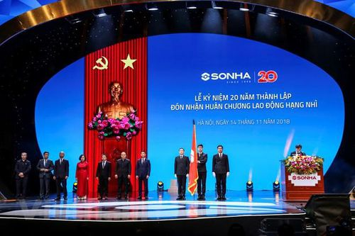 Tập đoàn Sơn Hà đón Huân chương Lao động hạng Nhì sau 20 năm phát triển vững mạnh
