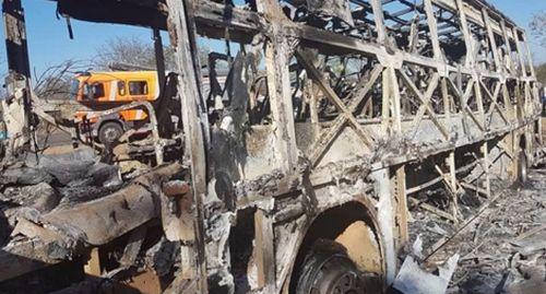 Xe bus chạy bằng gas phát nổ khiến hơn 40 người chết cháy